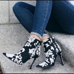 NWT Zara | Floral Embroidered Heel Bootie